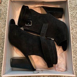 Used Dress sandals Black